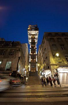 La Lisboa más joven Via QTravel.es | //01/2013 Siempre es cautivador recorrer lisboa en cualquier época del año. caminar sin rumbo por sus barrios, dejándose seducir por su historia, nos brindará la oportunidad de descubrir fascinantes rincones. al igual que las aguas del tajo, una y otra vez, nuevas corrientes, llenas de vitalidad, impulsan a jóvenes visitantes a vivir una ciudad que constantemente se moderniza, y a su vez, conserva su legado para deleite de futuras generaciones. #Portugal