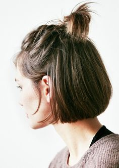 8 Hairstyles That Look WAY Better on Second-Day Hair via @byrdiebeauty