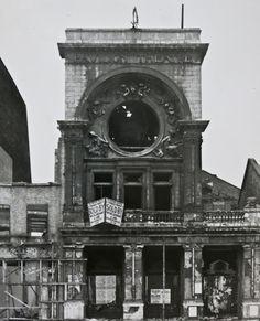Pavilion Theatre facade on Whitechapel Rd, 1961 (City of London, London Metropolitan Archives)
