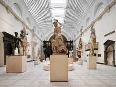 With New App 'Breadcrumbs,' Go on a Scavenger Hunt in London Museums - Condé Nast Traveler