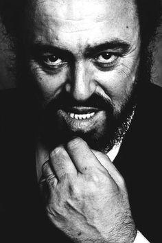 Luciano Pavarotti(10/12/1935-9/6/2007)