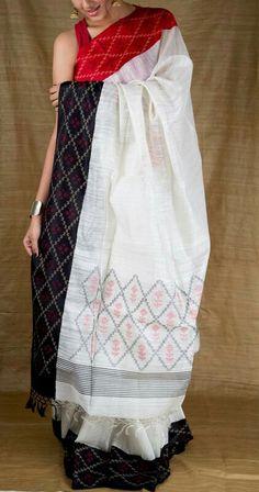 Khai The handloom saree Indian Attire, Indian Wear, Indian Outfits, Indian Clothes, Indian Style, Saree Dress, Sari, Simple Sarees, Elegant Saree