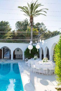 Hochzeitsreportage Michi und Nina | Ibiza #Christina_Eduard_Photography #Hochzeit #Ibiza #Weiße_Hochzeit #Reception #Dekoration #Hortensien_Hochzeit #Tischgedeck
