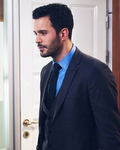 Turkish Men, Turkish Actors, Elcin Sangu, To My Future Husband, Barista, Gentleman, Hot Guys, Attitude, Most Beautiful