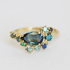 Teal Blue Sapphire Cluster Ring, One Of A Kind Cluster Engagement Ring, Pear Sapphire Ring, Green Blue Sapphire Ring, Bi Color Sapphire Ring The Bling Ring, Bling Bling, Cluster Ring, Gold Engagement Rings, Wedding Rings, Solitaire Engagement, Gold Wedding, Dream Wedding, Saphir Rose