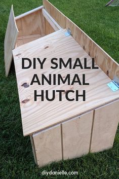 How to build a small animal hutch for rabbits, guinea pigs, or other pets. This was a fairly simple outdoor cage build that we've made adjustments to in order to improve the cage. Guinea Pig Hutch, Guinea Pig House, Guinea Pigs, Easy Wood Projects, Easy Woodworking Projects, Fine Woodworking, Project Ideas, Rabbit Cages Outdoor, Goat Shed