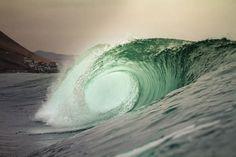 Empty wave...
