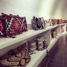Heritage Collection Cushions Suzeni - Velvet -Ikat www.heritagegeneve.ch