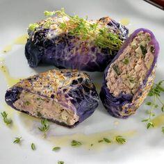 Egy finom Húsos-gombás göngyölt lilakáposzta ebédre vagy vacsorára? Húsos-gombás göngyölt lilakáposzta Receptek a Mindmegette.hu Recept gyűjteményében!