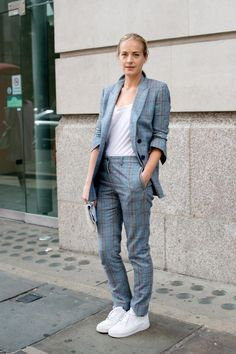 12+ examples of how to wear a two-piece suit to the office