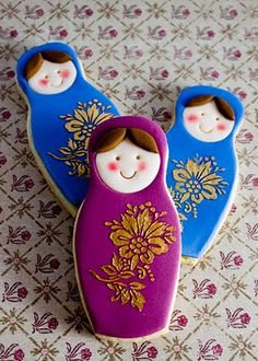 Love Russian dolls... but it wasn't until I pinned these that I realised that these are decorated with one of my elegant flower cupcake stencils :-)
