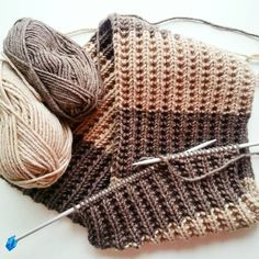 Modası Asla Geçmeyen 67 İğne Oyası Modelleri Best Picture For Knitting diy For Your Taste You are looking for something, and it is going to. Mens Scarf Knitting Pattern, Baby Knitting Patterns, Knitting Designs, Knitting Videos, Needle Lace, Yarn Shop, Knit Fashion, Fashion Fashion, Fashion Design