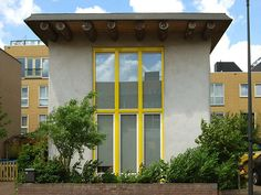 Dit huis staat op IJburg.