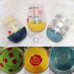 Disney Wine Glasses, Glitter Wine Glasses, Painted Wine Glasses, Wine Glass Sayings, Wine Glass Crafts, Wine Bottle Crafts, Diy Tumblers, Custom Tumblers, Vinyl Crafts