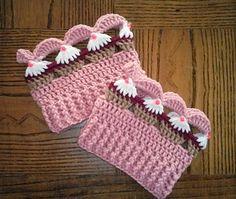 Ravelry: Cupcake Boot Cuff & Ear Warmer pattern by ChrisCrossCrafts Crochet Boot Cuff Pattern, Knitted Boot Cuffs, Crochet Boots, Crochet Gloves, Crochet Slippers, Crochet Patterns, Yarn Projects, Crochet Projects, Crochet Leg Warmers
