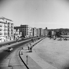 Queen's Necklace Rd, Marine Drive, (1950) - 1880 to 1950 : Rare Old Mumbai Photos - (10 Pictures)
