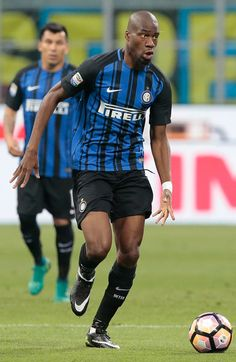 Geoffrey Kondogbia of FC Internazionale Milano in action during the Serie A match between FC Internazionale and Udinese Calcio at Stadio Giuseppe Meazza on May 28, 2017 in Milan, Italy.