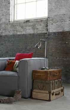 Transformer votre valise vintage en meuble pour le salon