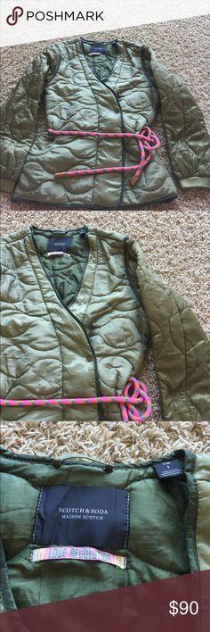 Scotch & Soda Women's Belted Puff Jacket Green 1 Women's size 1 green jacket with a pink bungee belt Scotch & Soda Jackets & Coats Puffers