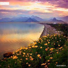 土耳其地中海安塔利亞海濱一景。 ©onderkoca