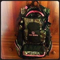 Accessories - ✨RESERVED✨Women's Realtree Camo Backpack