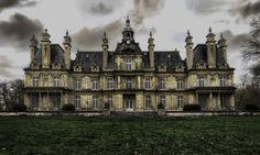 Chateau Porte du Lion #2