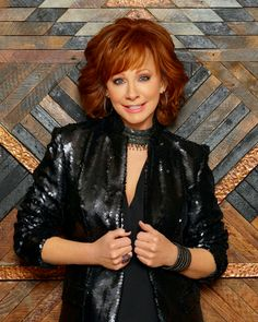 Since the rodeo didn't work out, Reba McEntire became the Queen of Country instead - The Boston Globe