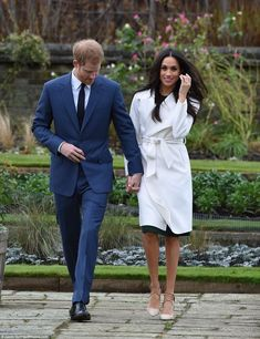 I knew she was the one from the very first day': Beaming Prince Harry says he is 'thrilled' to announce engagement to Meghan Markle as she proudly shows off a sparkling ring made with Diana's diamonds and designed by HIM. Prince Harry Et Meghan, Meghan Markle Prince Harry, Prince William And Harry, Princess Meghan, Prince And Princess, Harry And Meghan, Lady Diana, Kate Middleton, Flicks Hair