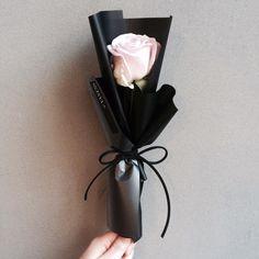"1,708 Likes, 16 Comments - 플로리스트 이주연 florist Lee Ju Yeon (@vanessflower) on Instagram: ""Katalk ID vanessflower52 #vanessflower #vaness #flower #florist #flowershop #handtied #flowergram…"""