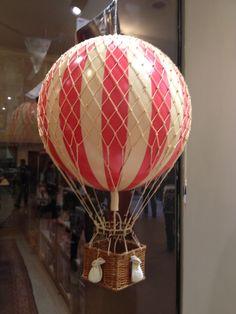 No Place Like Home: hot air balloon decor. #countrywedding