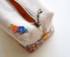 How to make cute block zipper pouch / handbag. DIY photo tutorial