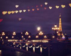 Paris Love ! Trouvez une #location #saisonniere #meublee à #Paris sur www.1000et1paris.com