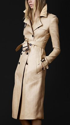 burberry, so classic. Remins me of breakfast at Tiffany's