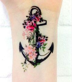 Un ancla cubierta de bella naturaleza. | 31 Tatuajes florales que cualquier amante de la naturaleza necesita en su vida