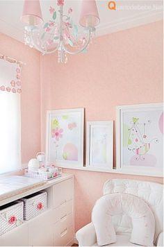 decoração de quarto de bebê salmão e rosa