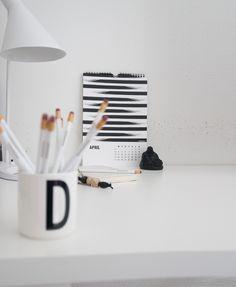 Black and white graphic A4 calendar 2016 | design by Designparken  @designparken
