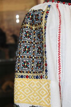 Folk Costume, Costumes, Floral Tie, Cross Stitch, Embroidery, Romania, Crochet, Country, Fashion