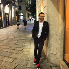 Walking in the night in #milan  #mfw #milanocity #mfw15 #milanomonamour #viadellaspiga #igmilano #street #italy #vivomilano #vscocam #igdaily #volgomilano #styleoftheday #mymilano #me #style #vans #milanodavedere #picoftheday #bestoftheday #instamood #instadaily #love #loves_milano #ciaone by dottorste