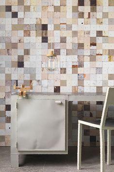 Scrap Wood Wallpaper Texture wood-textured wallpaper series by Dutch designer Piet Hein Eek. Unique Wallpaper, Wood Wallpaper, Textured Wallpaper, Wallpaper Awesome, Chic Wallpaper, Luxury Wallpaper, Wallpaper Direct, Shabby Chic Tapete, Interiores Shabby Chic