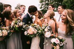 Fotos colectivas que irradian. www.weareblanko.com #boda #inspiración #beso