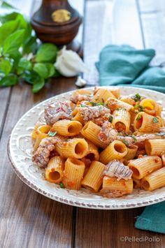 Gustosissima #pasta al sugo di #canocchie e pomodoro, facile da realizzare. #ricetta #primipiatti #primidipesce