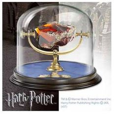 Harry Potter – Sorcerer's Stone Cut glass red stone, with glass dome measuring approximately 6 inches in height. Officially authorized by Warner Brothers. Harry Potter Memorabilia, Harry Potter Props, Harry Potter Merchandise, Harry Potter Gifts, Harry Potter Theme, Harry Potter Love, Harry Potter Fandom, Noble Collection Harry Potter, The Sorcerer's Stone