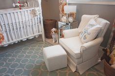 Love this modern @Home Decorators Collection rug in this #bohochic #nursery!