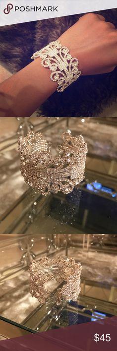 Beautiful Swarovski crystal bracelet Classy gorgeous Swarovski crystal bracelet/ NWOT Jewelry Bracelets
