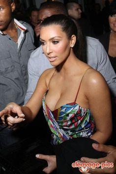kim kardashian cleavage during the Reggie Bush era