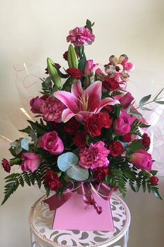 All pink front facing flower arrangements. Lace Flowers, Wedding Flowers, May Designs, Silk Flower Arrangements, Gerbera, Flower Fashion, My Flower, Centerpieces, Floral Wreath