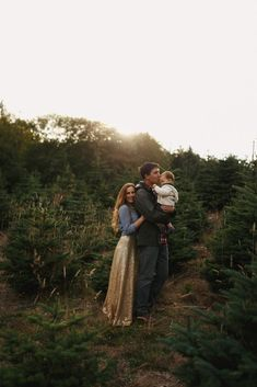 The most gorgeous family Christmas photos. Mom in floor length gold sequin skirt and gingham shirt, Dad in filson green jacket and red flannel with blue jeans, baby in Tea Collection jeans, and red and green flannel with cream colored cable knit sweater. Christmas Pictures Outfits, Xmas Photos, Family Christmas Pictures, Christmas Tree Farm, White Christmas, Christmas Decor, Family Christmas Photos, Christmas Minis, Christmas Ideas
