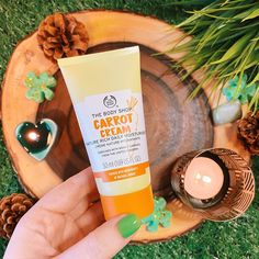 𝗖𝗔𝗥𝗥𝗢𝗧 𝗖𝗥𝗘𝗔𝗠 🥕 I've been using the carrot cream moisturiser for about a week now and I love it! Not only is it made with wonky carrots that aren't good enough to be sold in super markets, but is leaves skin smooth and glowing! Body Shop At Home, The Body Shop, Carrot Cream, Beauty Boost, Moisturiser, Smooth Skin, Carrots, Skin Care, St Patrick