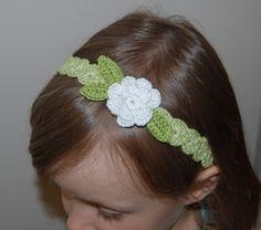Die Strickfabrik: Anleitung: gehäkeltes Haarband mit Blume