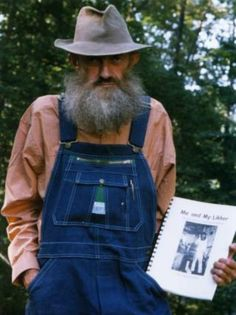 Popcorn Sutton- an interesting person Moonshine Whiskey, How To Make Mead, Homemade Wine, Southern Pride, Native American Indians, Home Brewing, Vintage Photographs, Popcorn, Tennessee